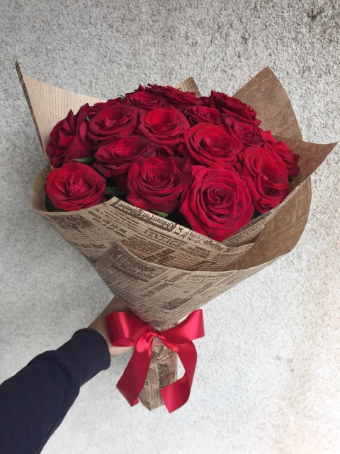 21 червона троянда з доставкою у Лвові